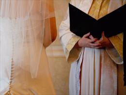 結婚式の招待状に返信2