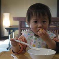 11ヶ月の赤ちゃんが離乳食を食べない!食べてくれるようになる3つのコツ